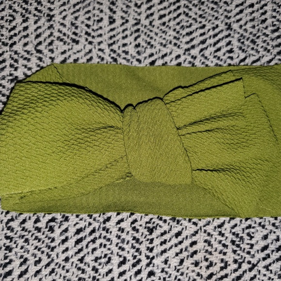 Handmade Other - Green Bow